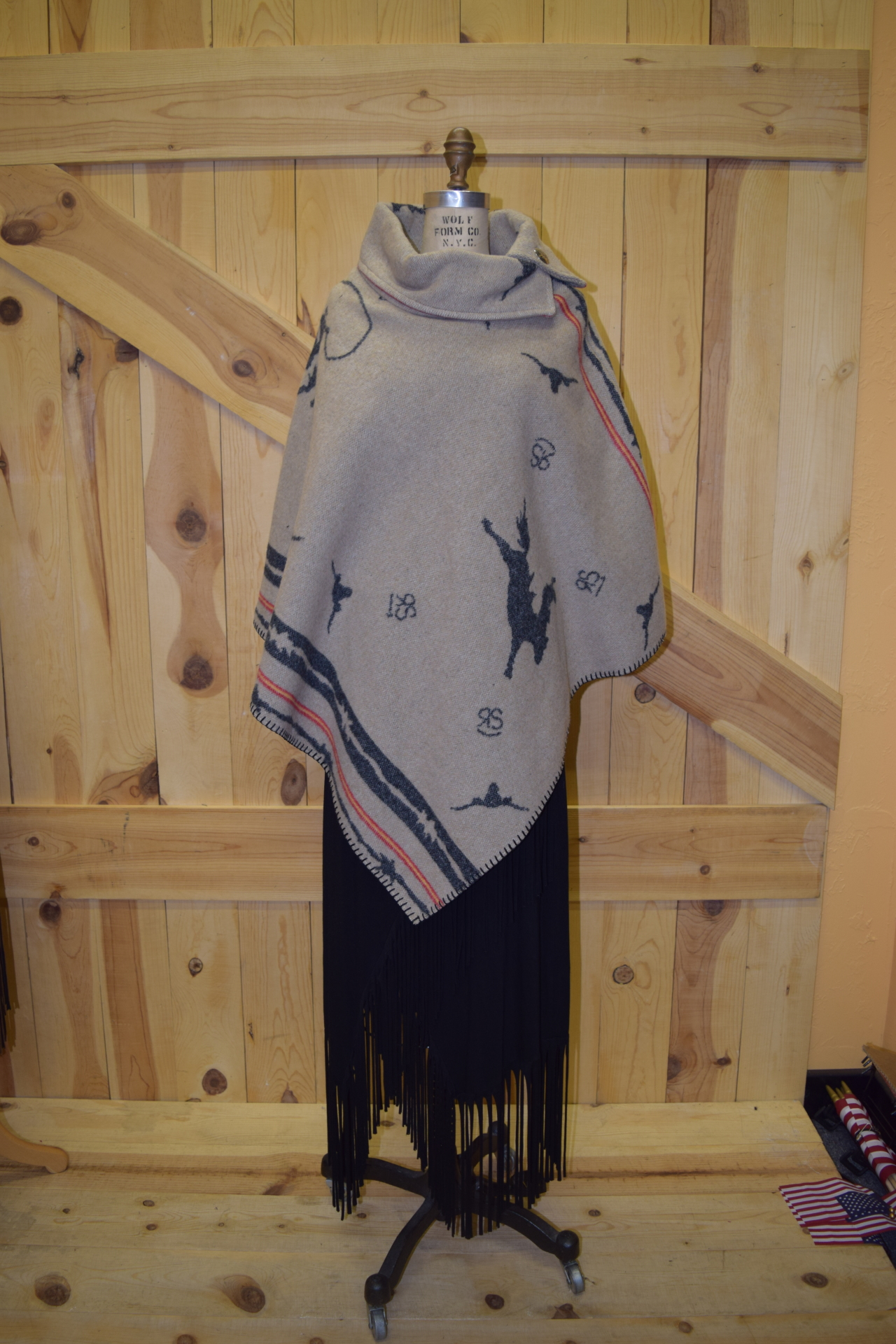 #208RRT - TAN RS RODEO BUTTON COLLAR PONCHO - O/S -- $119.95
