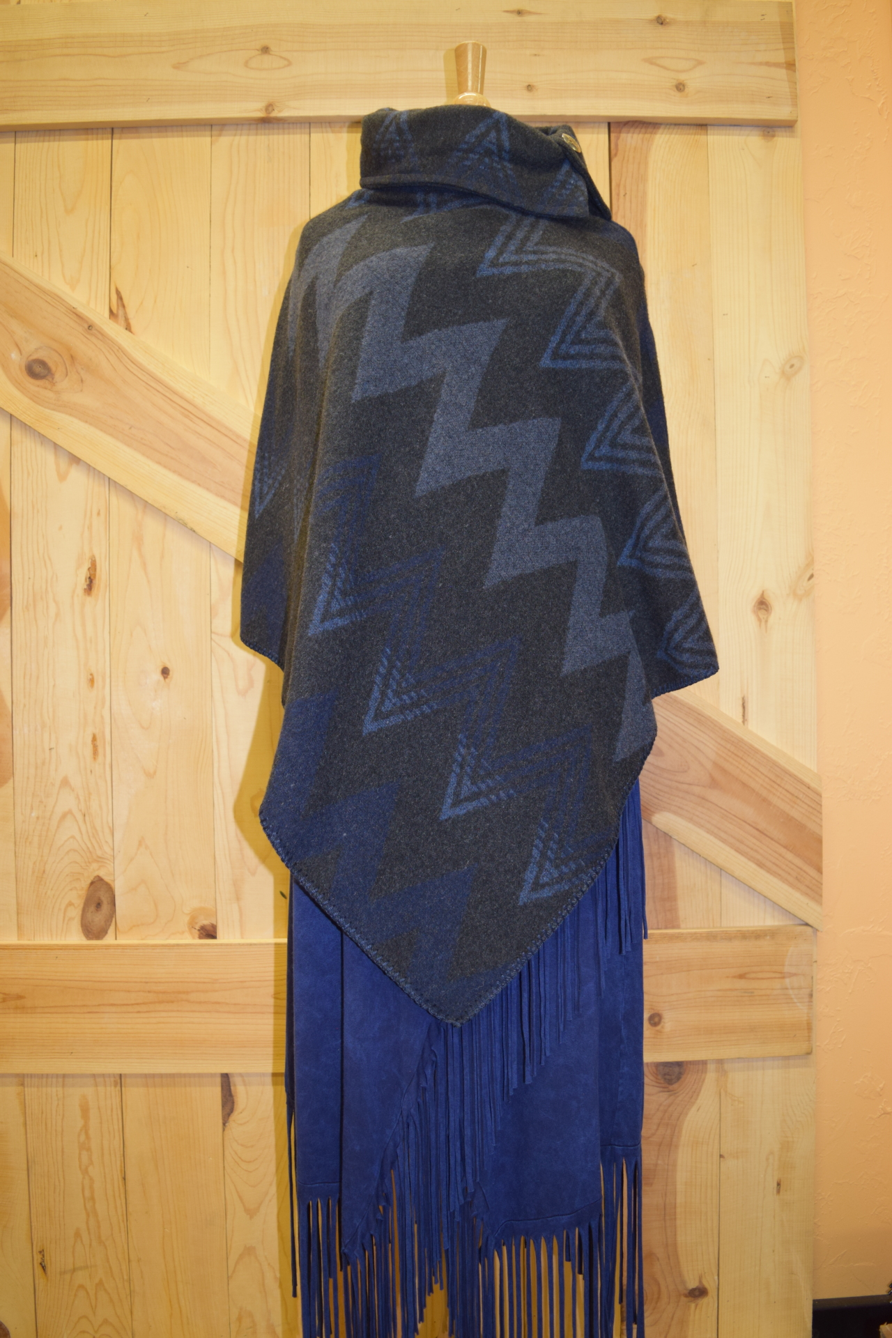 #208WM - MIDNIGHT WIGWAM BUTTON COLLAR PONCHO - $119.95 -- SALE $59.95