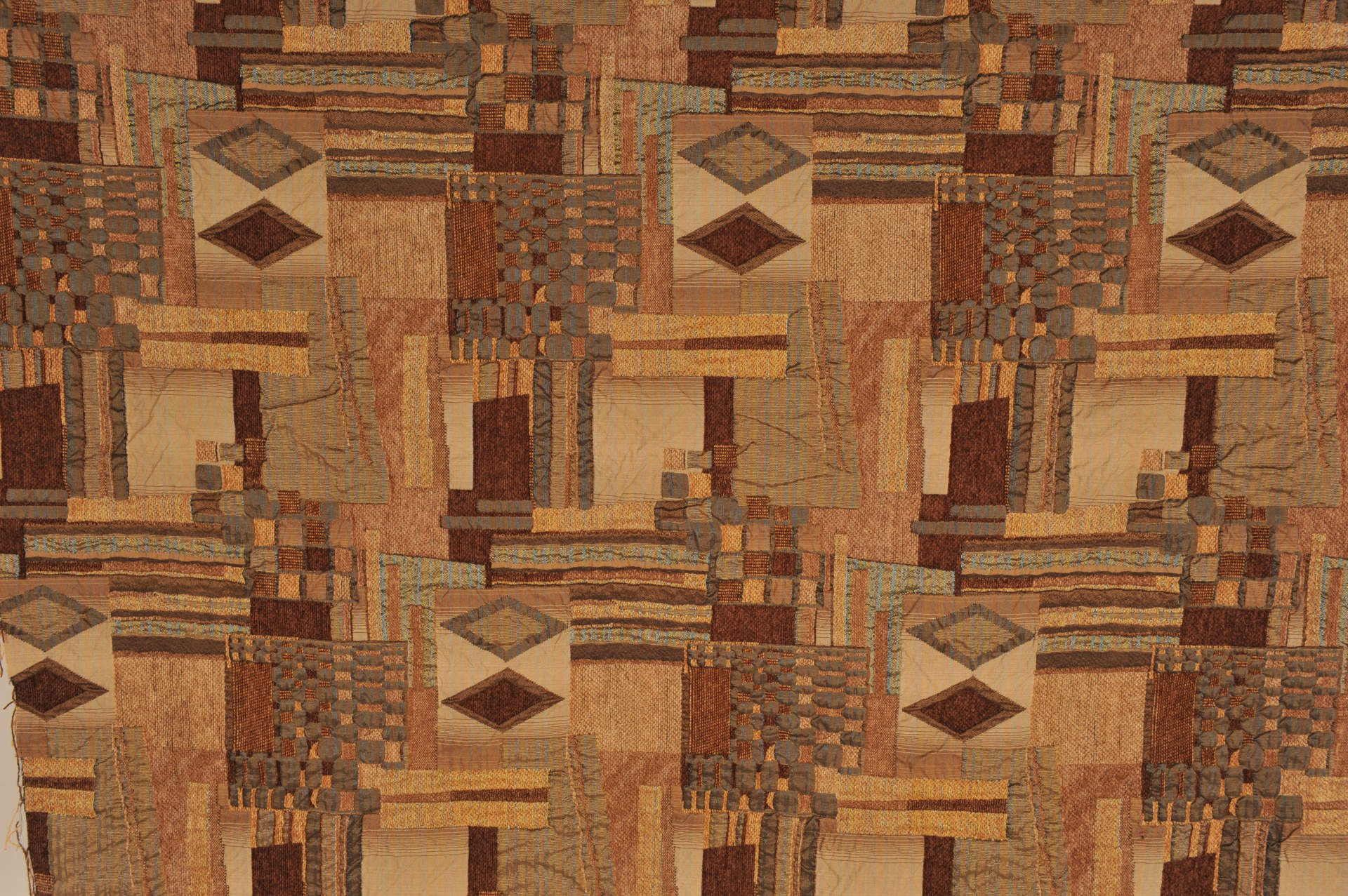 PB - PICASSO BLOCK QUILTED TAPESTRY