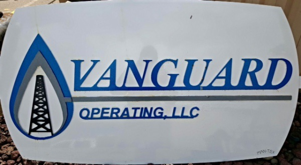 CUSTOM WATER JET SIGNS