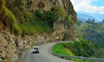 Mt Wilhelm road;  Mt Wilhelm; PNG Tourism; Mount Wilhelm; Climbing; Trekking; PNG; Papua New Guinea