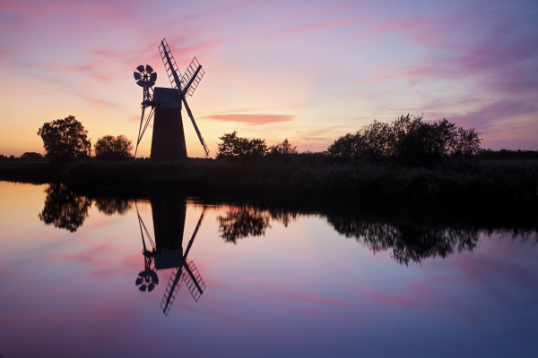 Afternoon Tea, Norfolk Broads, Charter Boat, Broadland Charters, Day Boat Hire, Sunrise Cruises