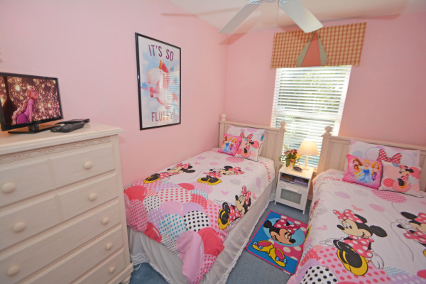 Minnies Themed Twin Room