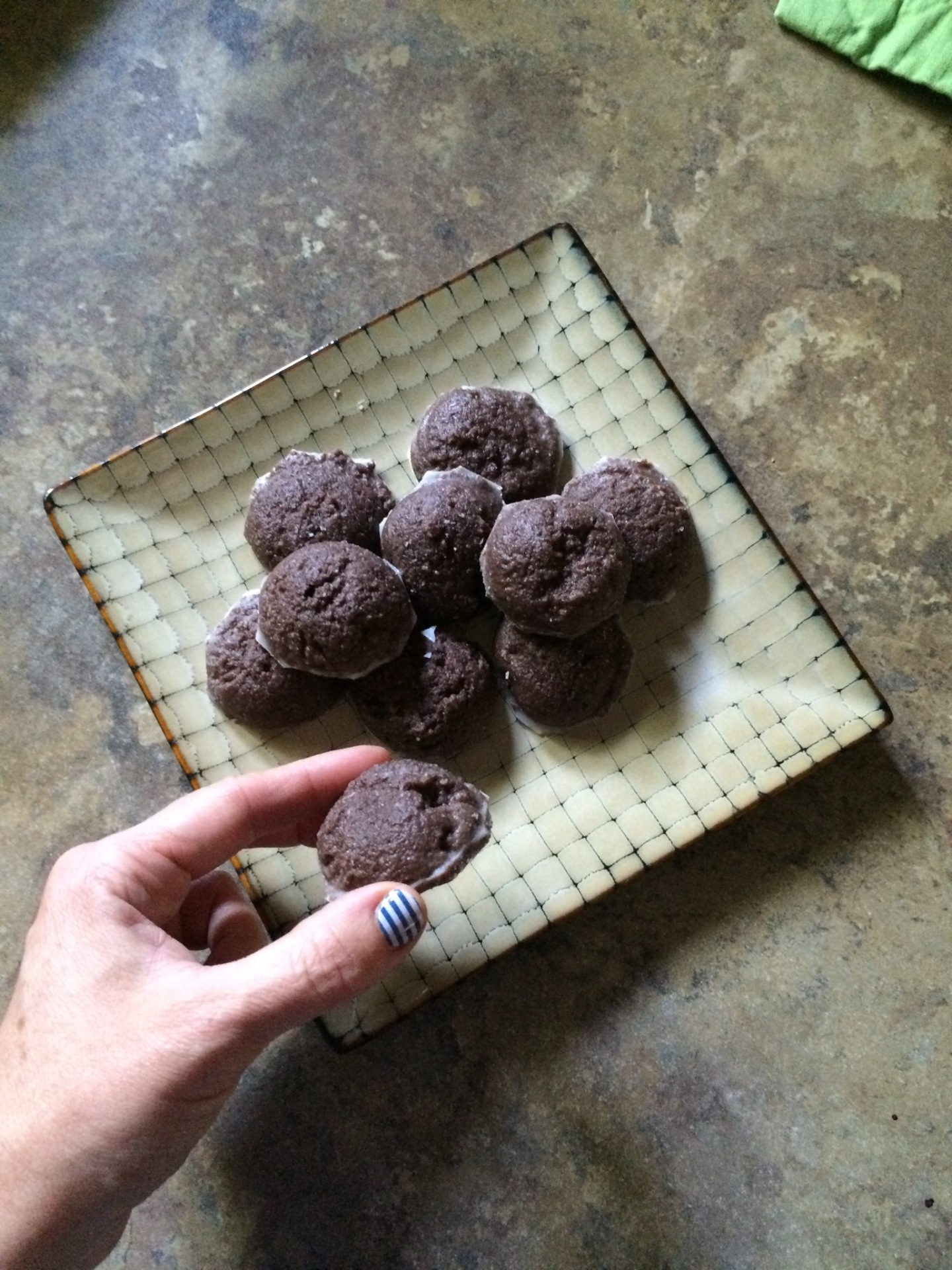 Carob-Mint Fudge Bites