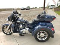 2014 Harley Davidson Tri Glide Ultra Blue with only 11k miles in Mountain Home Idaho