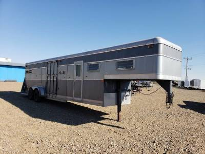 1975 Cimarron King Horse Trailer - 4 Place Stall - $3499
