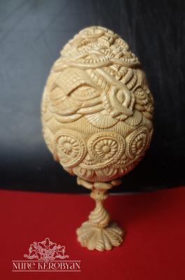 Easter magic                 h' 22 cm 10x10 cm