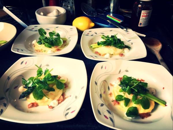 Egg yolk ravioli, goat's cheese mousse, parma ham, asparagus cream, steamed asparagus, pea shoots