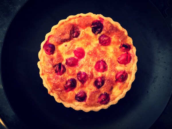 Cranberry jam, fresh cranberries, hard and soft goat's cheeses, cassava flour pastry