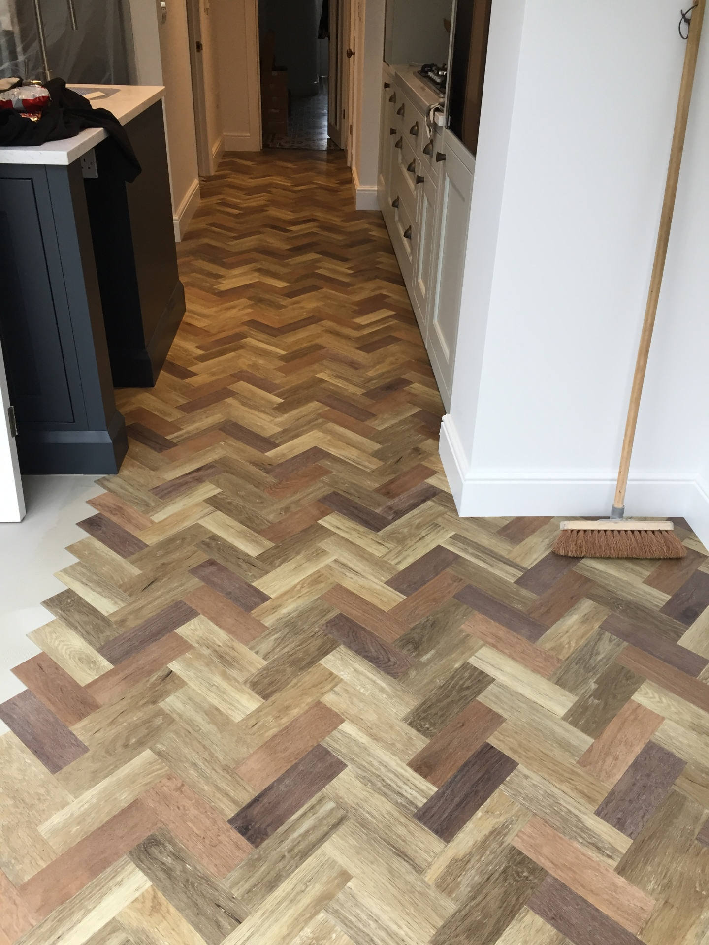 AMTICO | PARQUET | 3 COLOUR OAK