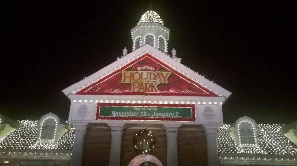 Six Flags America Holiday in the Park Review