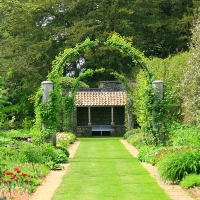 Style & Substance: Gardens that Nurture