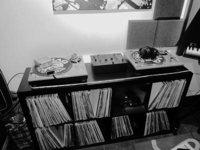 SL 1210's DJ Mixing