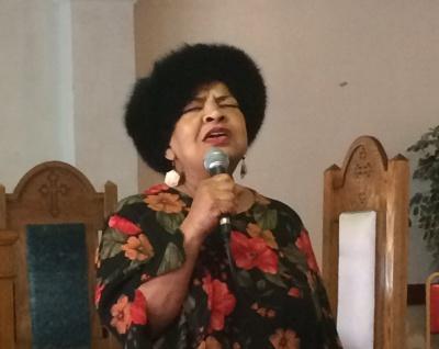 Edwina Singing !!