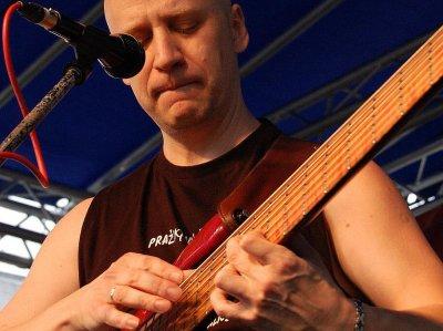 Richard Scheufler st. - basová kytara