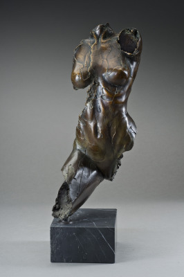 LEYLAH - H17W8XD5.9 - BRONZE SCULPTURE - 2011