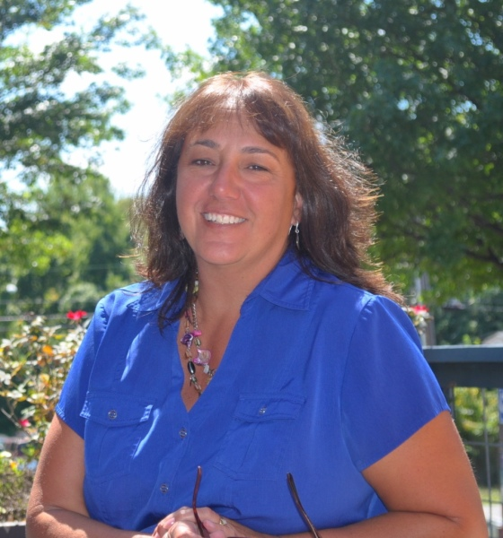 Michelle Davis Office Manager