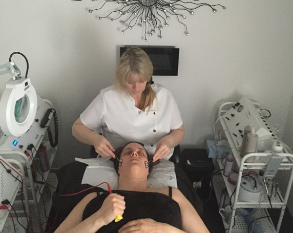 Electrotherapy Facials  Electrotherapy Face Lifts
