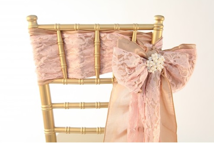 Lace and satin sash with accessorie