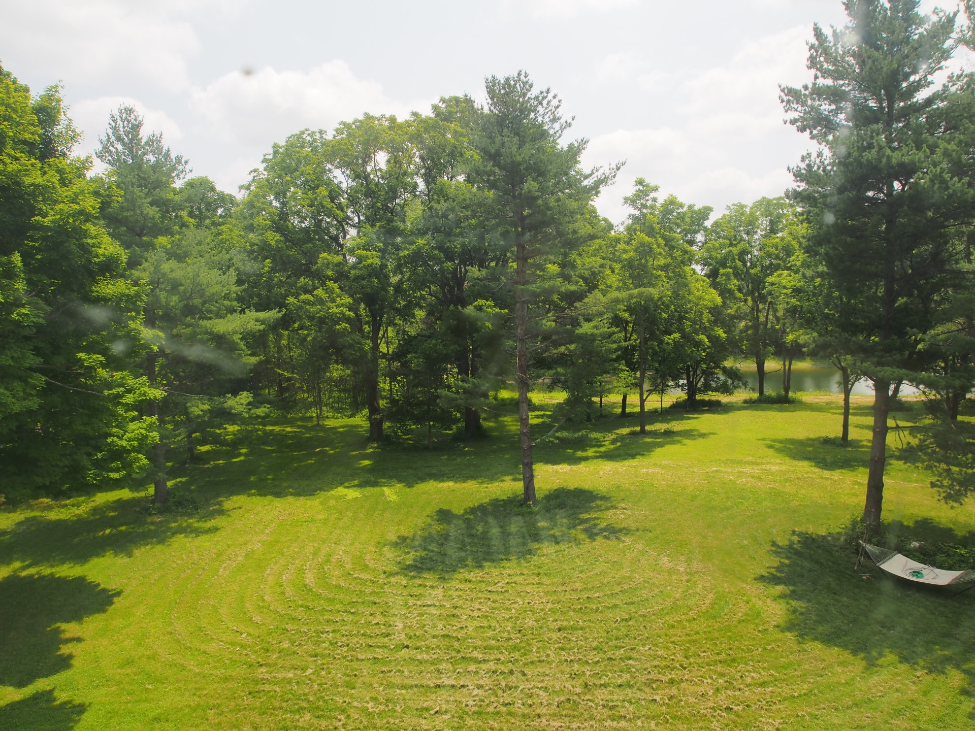 Spacious 2 acre back yard for outdoor events