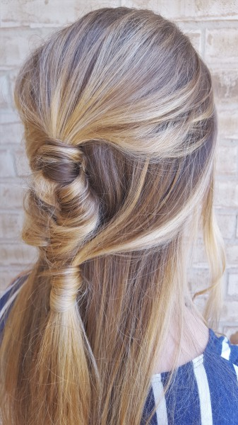 Half-Up-Half-Down Fishtail Braid