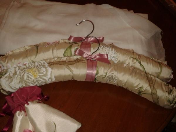 Silk padded hangers