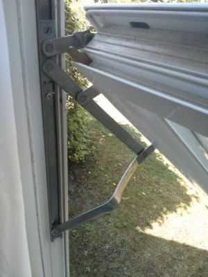 Window Stays (hinges) damaged