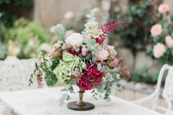 """Alt=""""Bespoke wedding florist Essex Suffolk Cambridgeshire & Hertfordsh"""