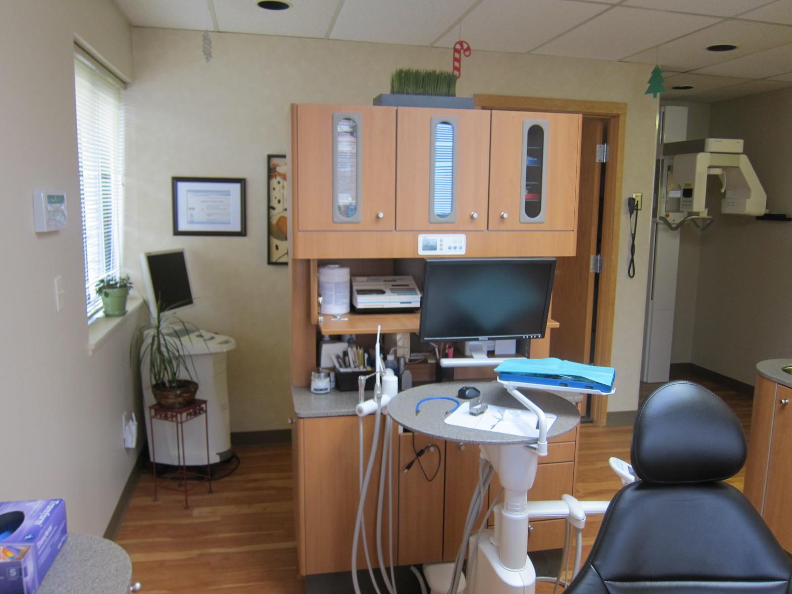 Dr. Henke Dental Operatory