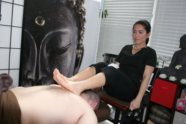 Ashiatsu (Deep Feet Therapy)