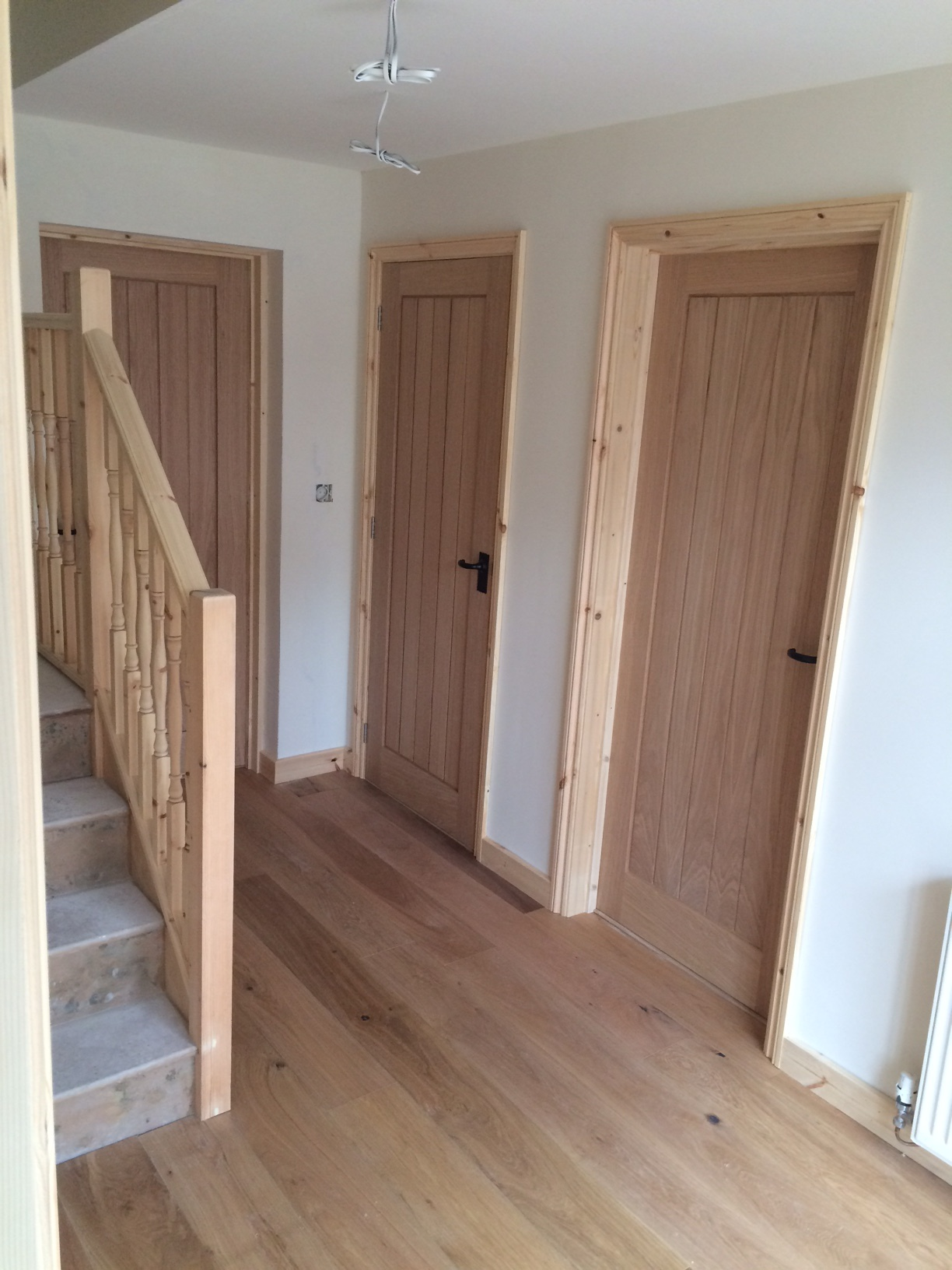 Oak Flooring & Oak Doors with Softwood Pine Skirting & Architrave