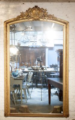 Grote antieke franse spiegel la folie antiek den bosch 's-hertogenbosch noord-brabant nederland winkel antiek vintage brocante kroonluchters grote tafels