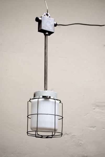 Industriele hanglamp la folie antiek den bosch 's-hertogenbosch veel industriele lampen deze industriele lamp is een erg mooie industriele lamp een industriele lamp zoals deze industriele lamp vindt je niet snel