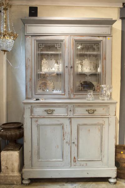 vintage kast keukenkast la folie antiek den bosch antieke keukenkast wit doorgeschuurd mahonie