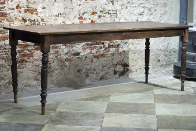 Antieke houten tafel La Folie Antiek den bosch 's-hertogenbosch vintage tafels nederland hele grote vintage tafel nederland