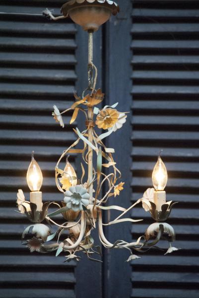 Kroonluchter plaffondier zakkroonluchter kristallen ijzer brons koper goud kleurig prachtig la folie antiek industrie lamp Den Bosch 's-Hertogenbosch  bosche noord brabant noord-brabant oeteldonk stad winkel shop kopen in de buurt antieke franse kroonluchter kopen