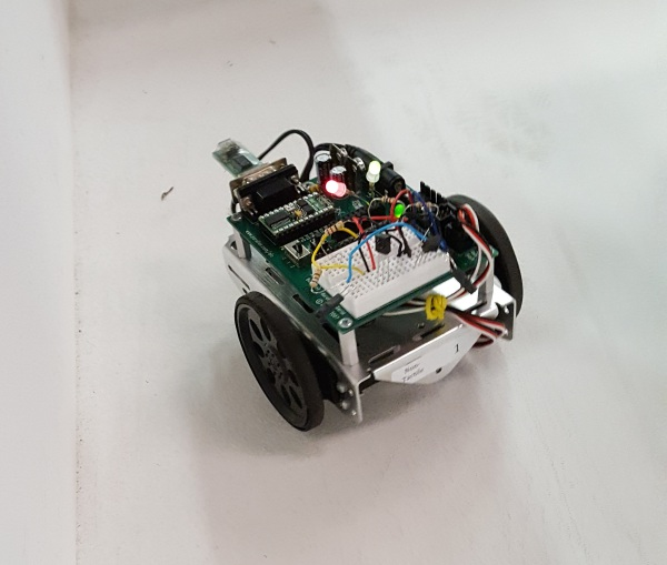 A non-tactile Maze bot making a run through the maze