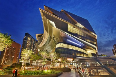 SINGAPORE'S FIRST NATURALLY-COOLED MALL