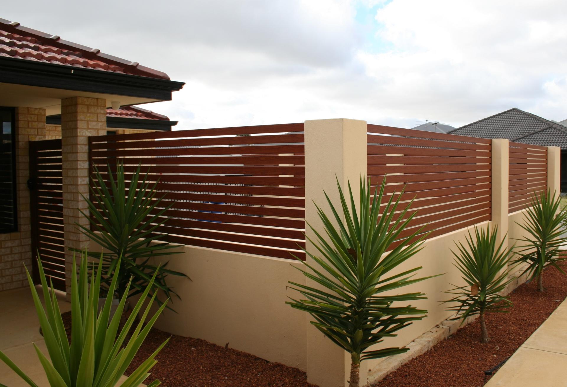 Aluminium fencing, fencing perth, slat fencing, slat gates, custom fencing, aluminium, knotwood, timber look, fecning and gates, best fencing perth