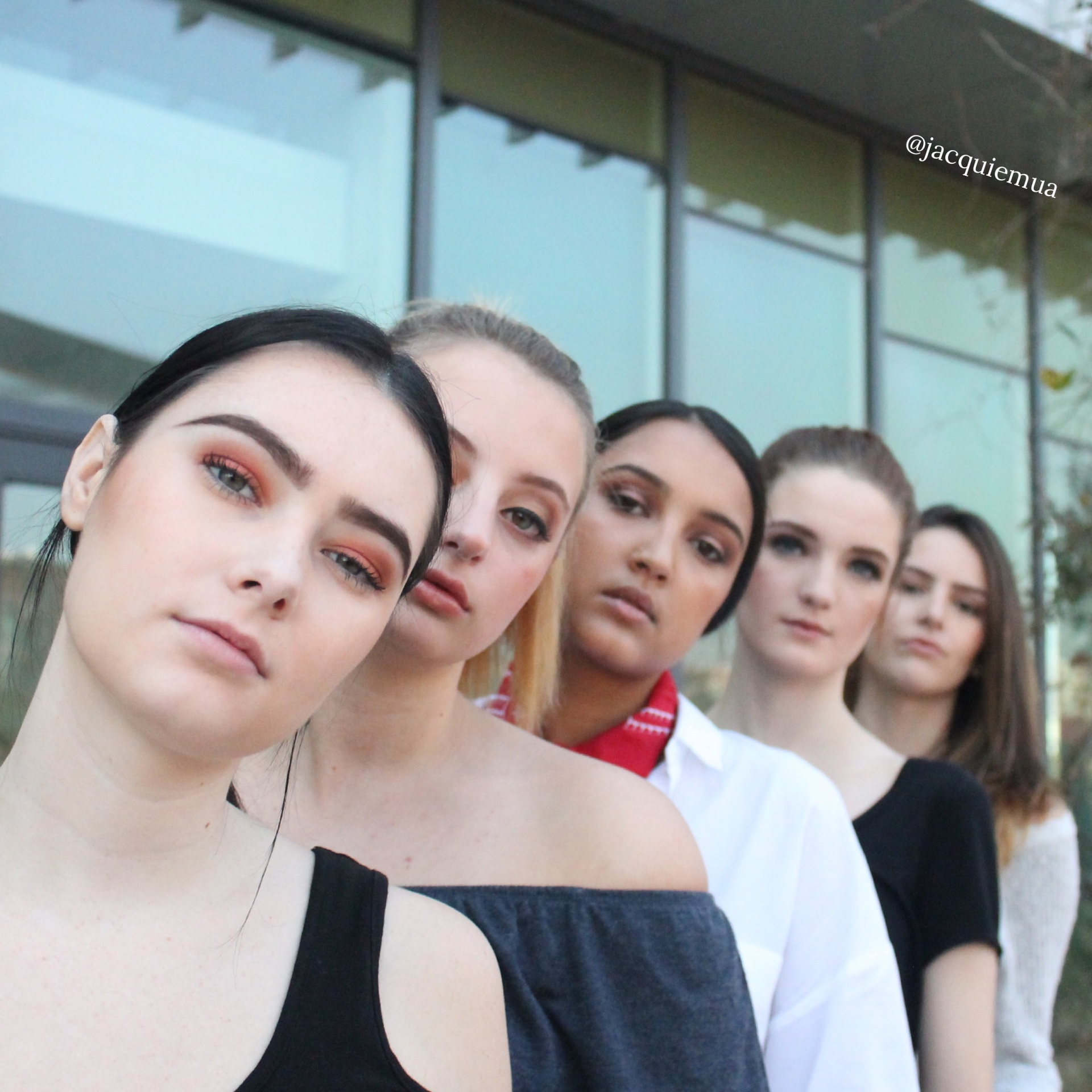GROUP MAKEUP SESSIONS