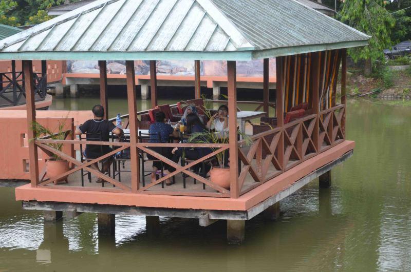Hans Cottage Restaurant