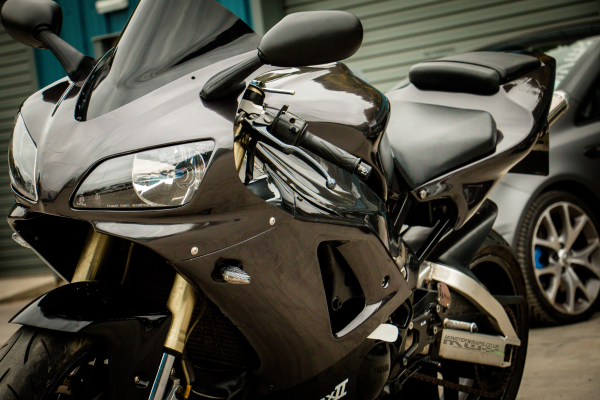 Yamaha R1 Gloss pearlescent black full motorbike wrap 3M