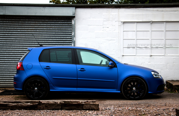 Brilliant blue matte metallic car wrap colour