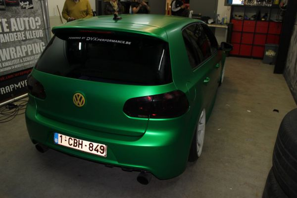 3M Satin sheer luck green car wrap