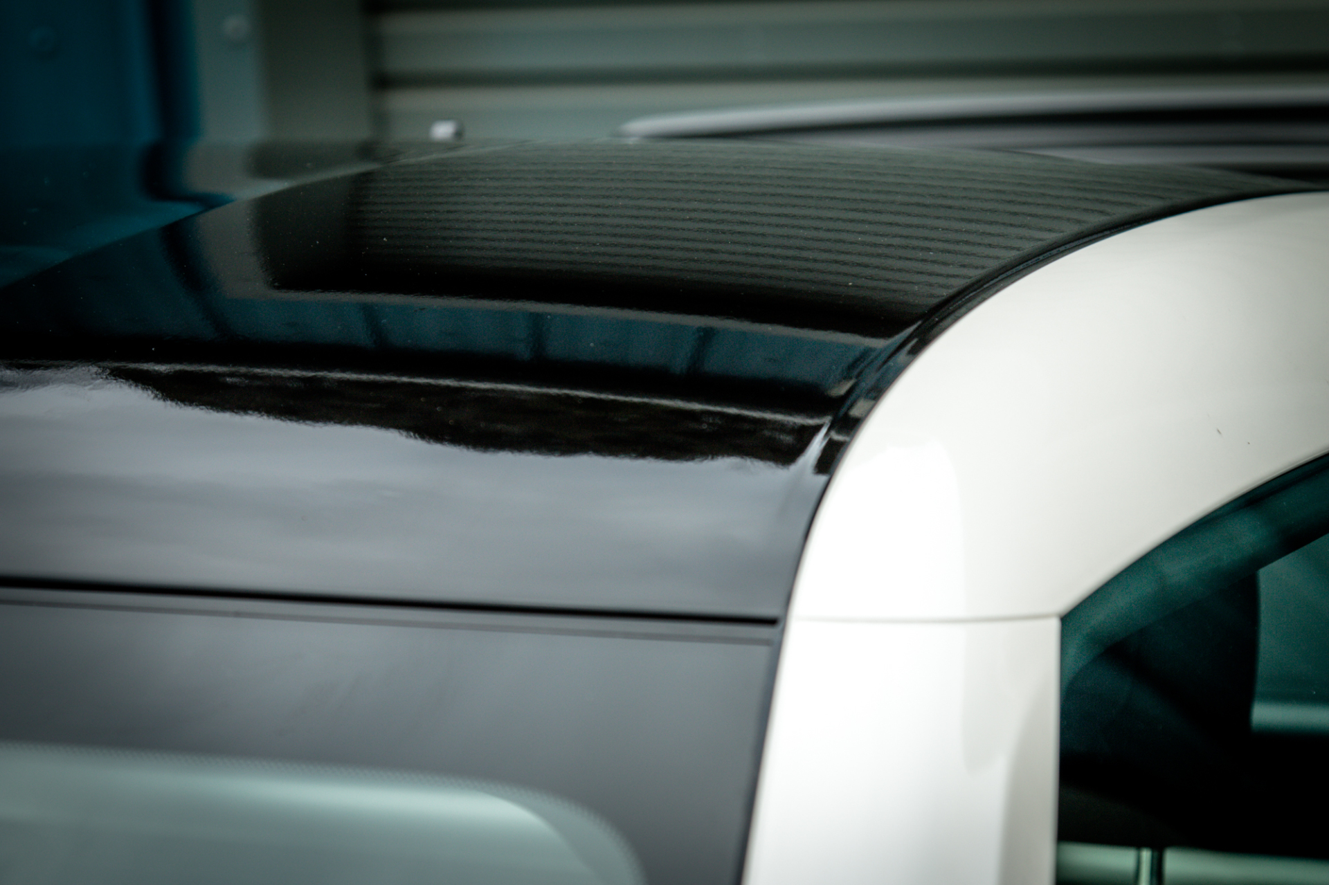 Nissan 370Z Gloss black roof wrap