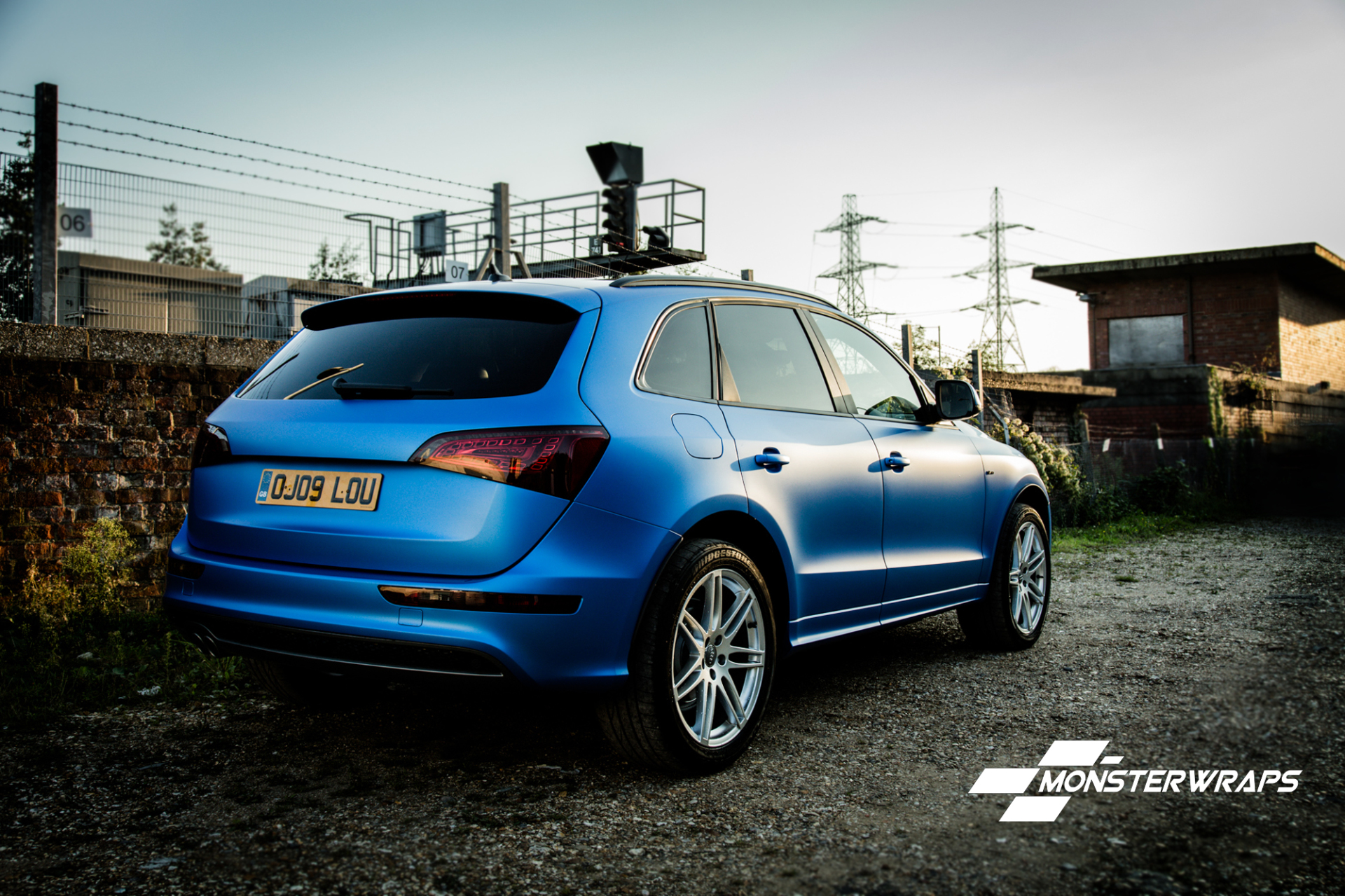 Audi Q5 3M Satin Perfect Blue wrap