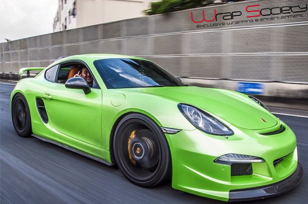 Gloss pearlescent green car wrap colour