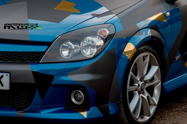Astra VXR custom chrome camo wrap