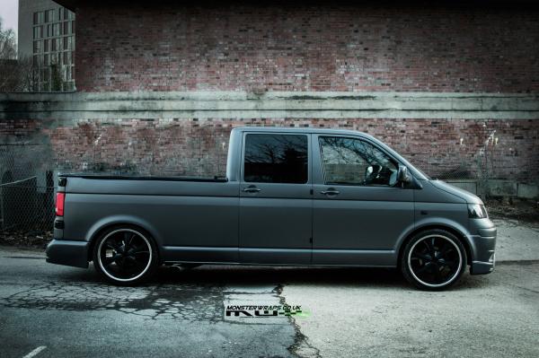 VW T5 Dokka matte dark grey wrap