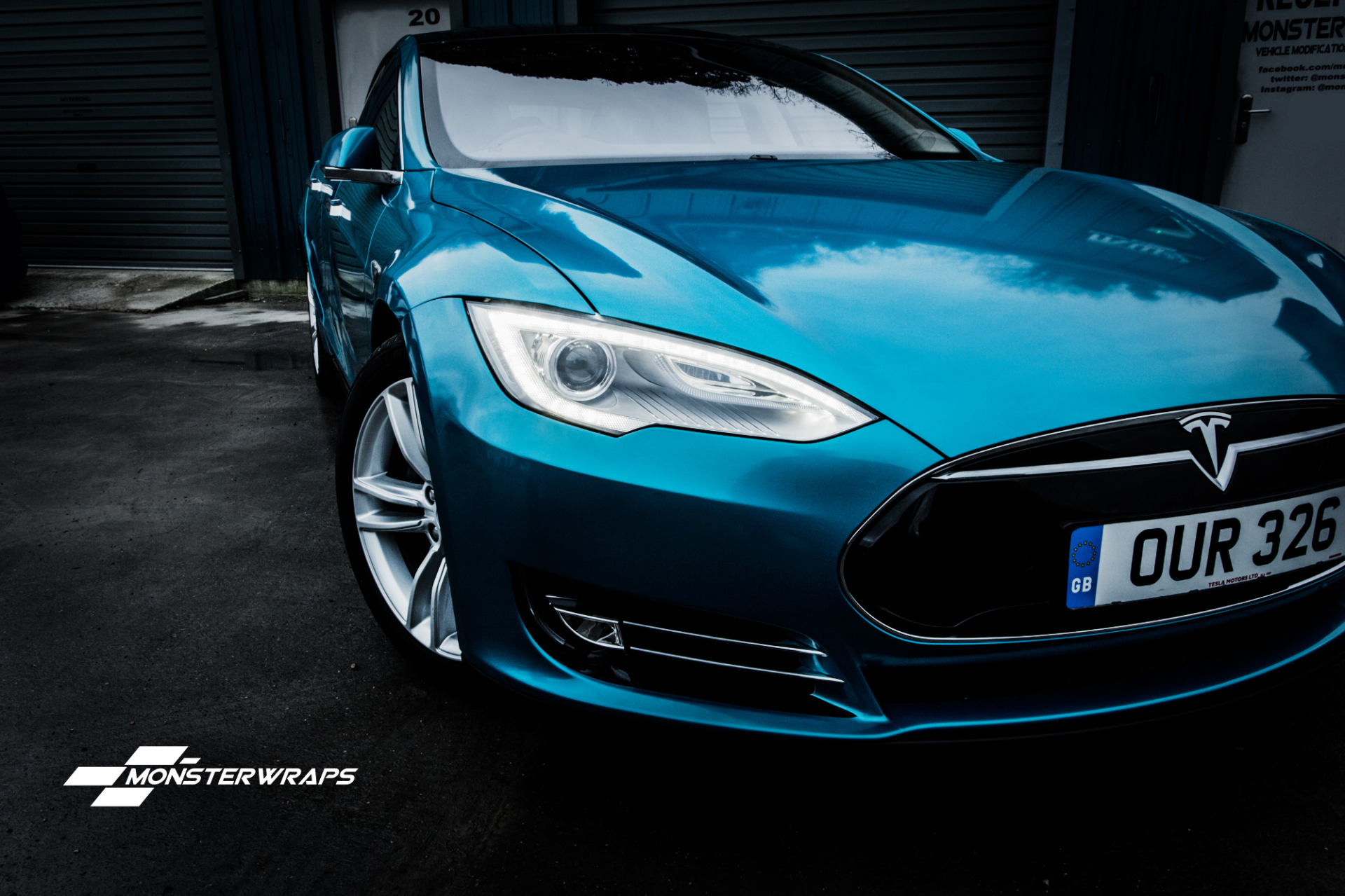 Tesla S Gloss atomic teal wrap southampton hampshire